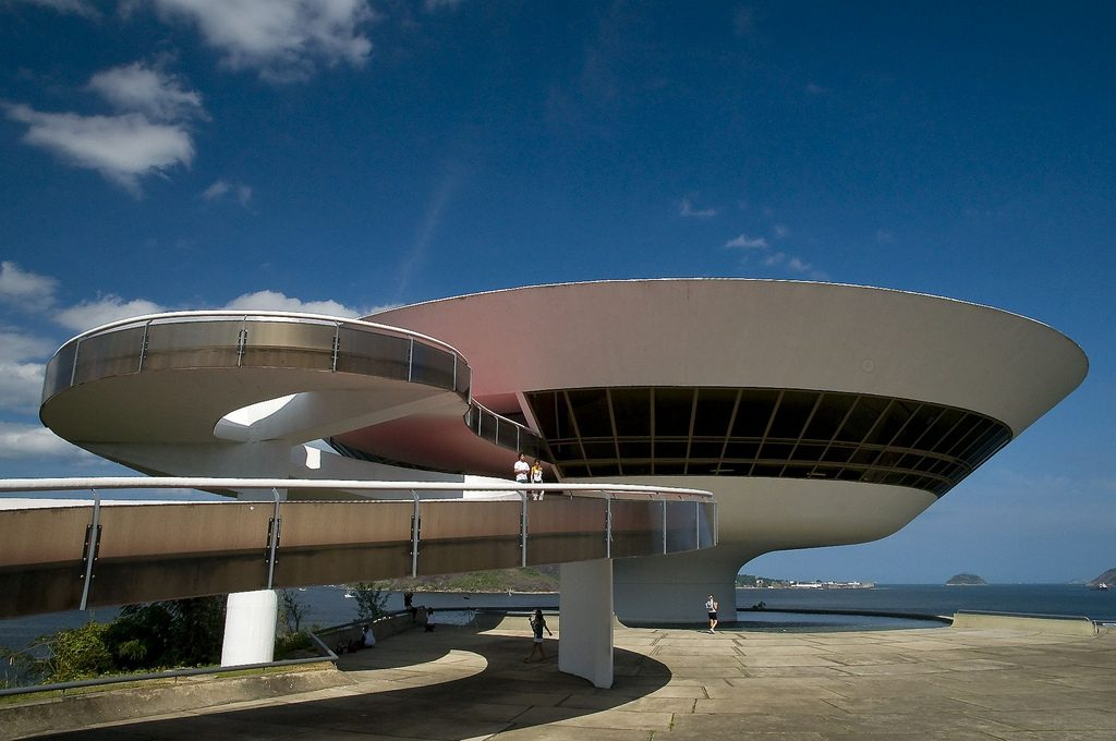 Architecture Around the World The Niteroi Contemporary Art Museum
